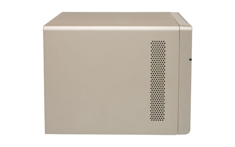 Qnap TVS-863+ - NAS Server 8 Baias p/ discos SATA/SSD